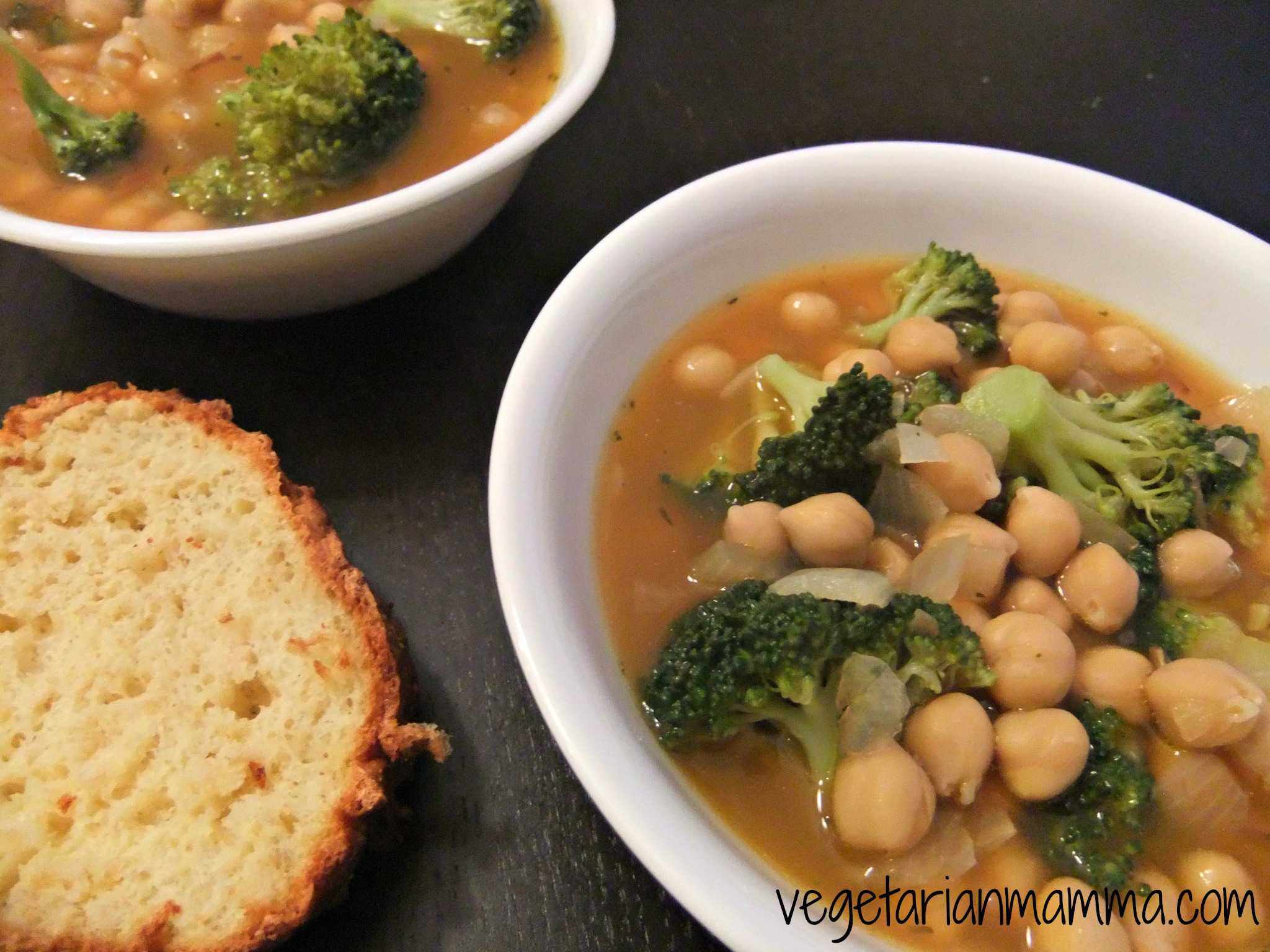 Chickpea Broccoli Soup - #glutenfree #vegan - Vegetarian Mamma