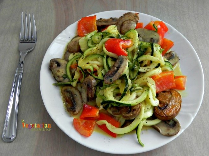 Honey Mustard Zoodles @vegetarianmamma.com #glutenfree
