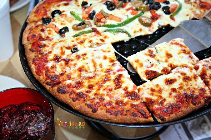 Taranto's Pizzeria #glutenfree #pizza @vegetarianmamma.com