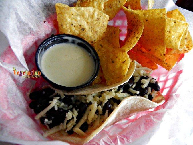 Yabos Tacos #glutenfree #review #columbus #ohio @vegetarianmamma.com 6