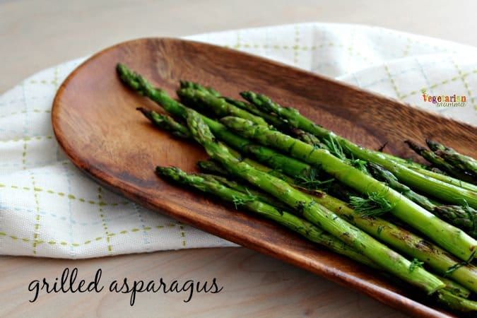 Grilled Asparagus - #glutenfree #grilling #vegetarian #veggies @vegetarianmamma.com