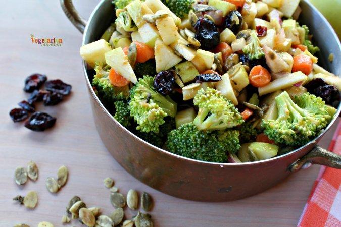 Broccoli Apple Salad vegetarianmamma.com #nutfree #glutenfree