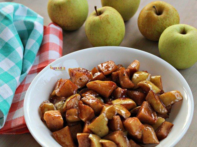 Sweet Cinnamon Apples #glutenfree @vegetarianmamma.com #dessert