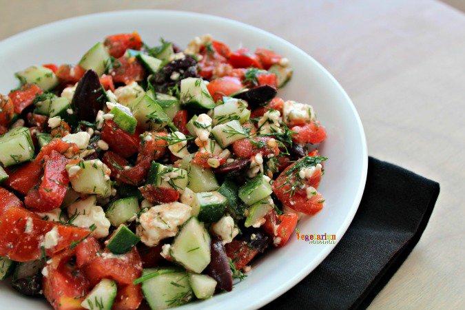 Tomato Cucumber Salad @vegetarianmamma.com #glutenfree #sidedish #salad #feta