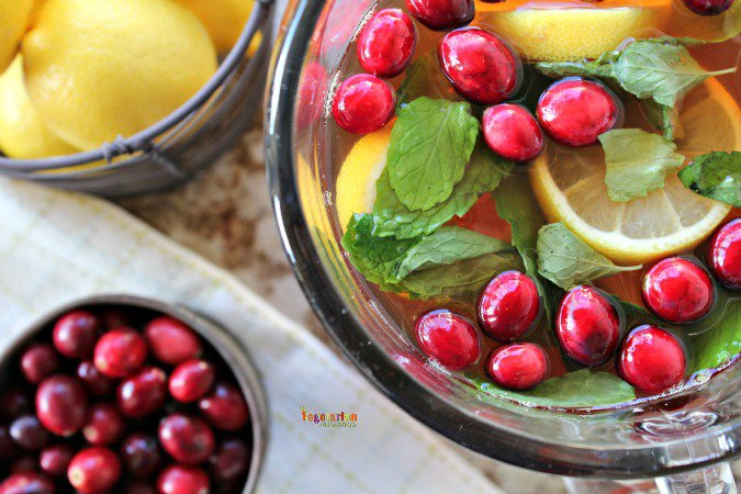 Cranberry Mint Tea @VegetarianMamma.com #Milos #cranberry #tea
