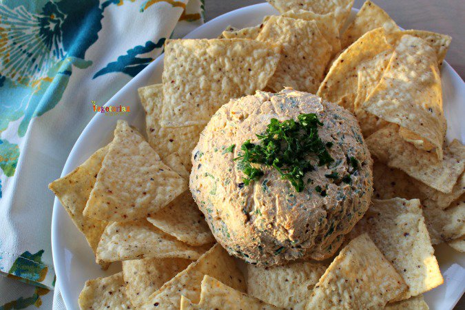 Taco Cheese Ball @vegetarianmamma.com #CheeseBall #Taco