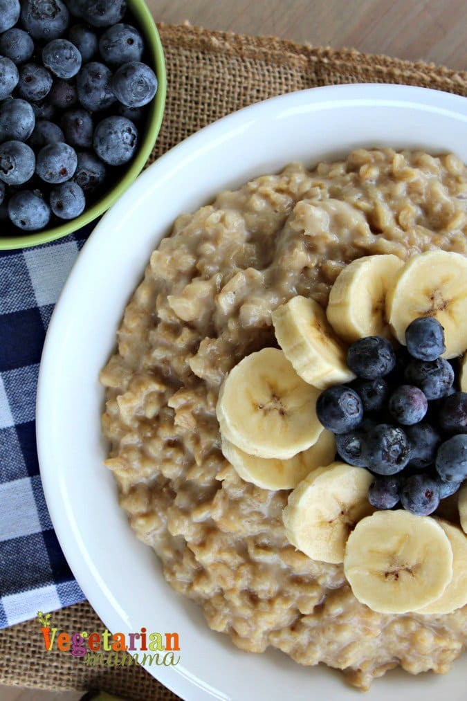 Banana Blueberry Oatmeal @vegetarianmamma.com - A Delicious Gluten Free Breakfast
