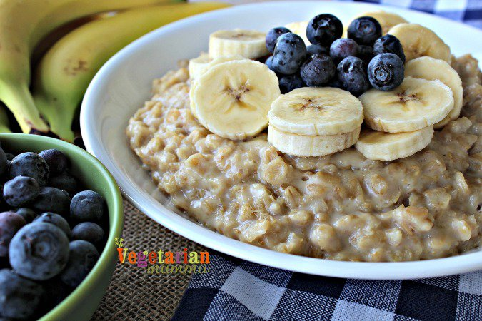 Banana Blueberry Oatmeal @vegetarianmamma.com -Oatmeal to start the day off right