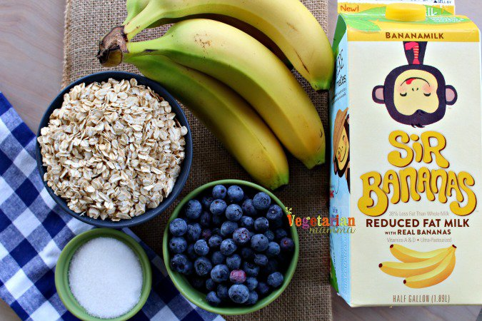 Banana Blueberry Oatmeal @vegetarianmamma.com - Simple ingredients