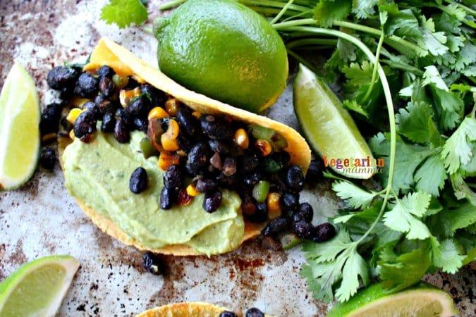 Black Bean and Guacamole Tacos @vegetarianmamma.com #TacoTuesday