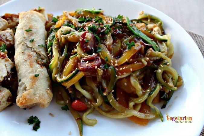 Zucchini Noodle Stir Fry @vegetarianmamma.com Gluten Free