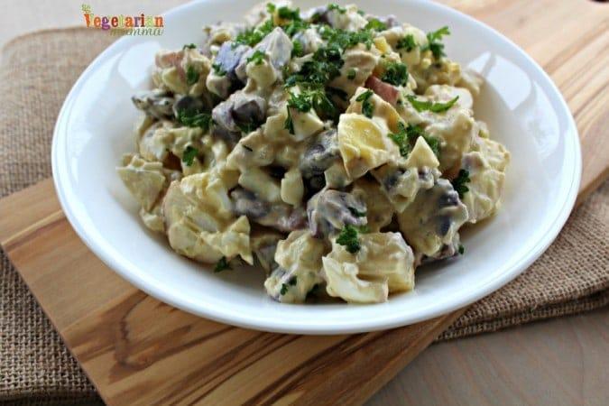 Deli Style Potato Salad @vegetarianmamma.com - Make your picnic delicious