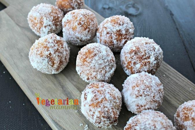 Lemon Donuts @VegetarianMamma.com - #EnjoylifeFoods - GlutenFree + Dairy Free