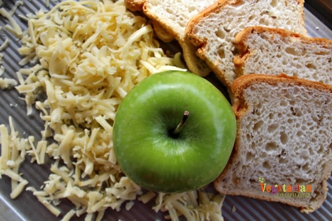 Gluten Free Apple Gouda Grilled Cheese Sandwich