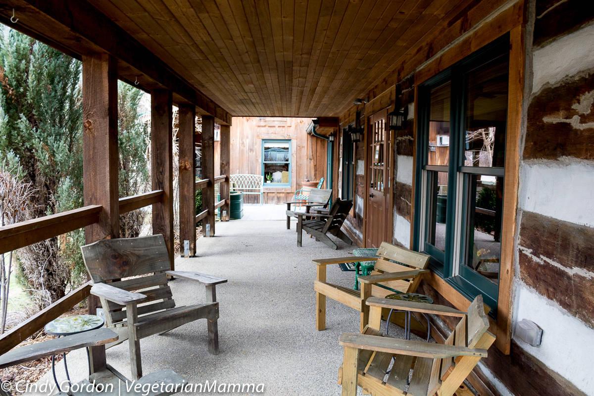 Inn at Cedar Falls - Main building porch