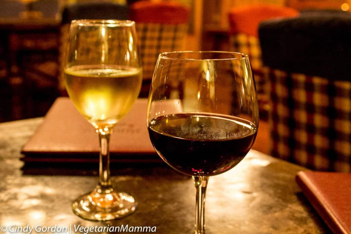 Drinks at Kindred Spirits, The Inn at Cedar Falls