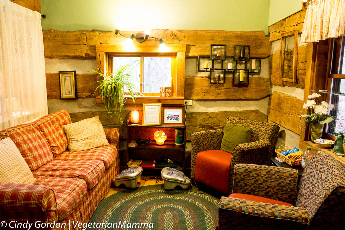 Cozy seating at the Spa - Inn at Cedar Falls - Ohio