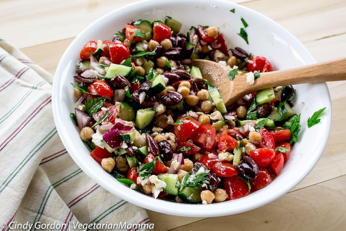 Mediterranean Chickpea Salad - Vegetarian Mamma