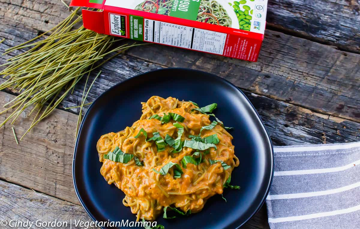 Cheesy Roasted Red Pepper Alfredo sauce recipe