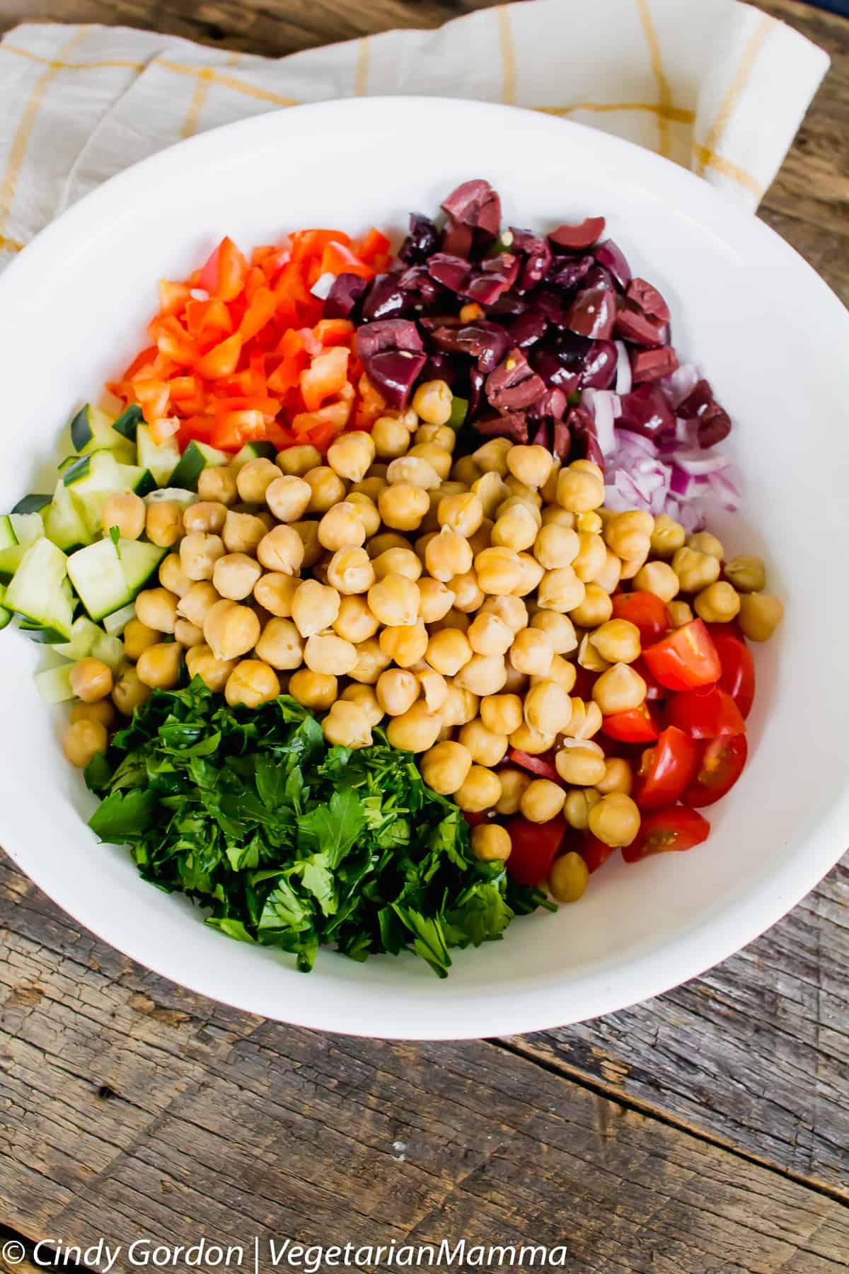 Mediterranean Quinoa Salad recipe that is delicious.