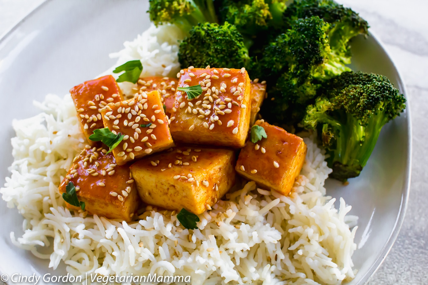 Honey Sriracha Tofu is a spicy fried tofu recipe