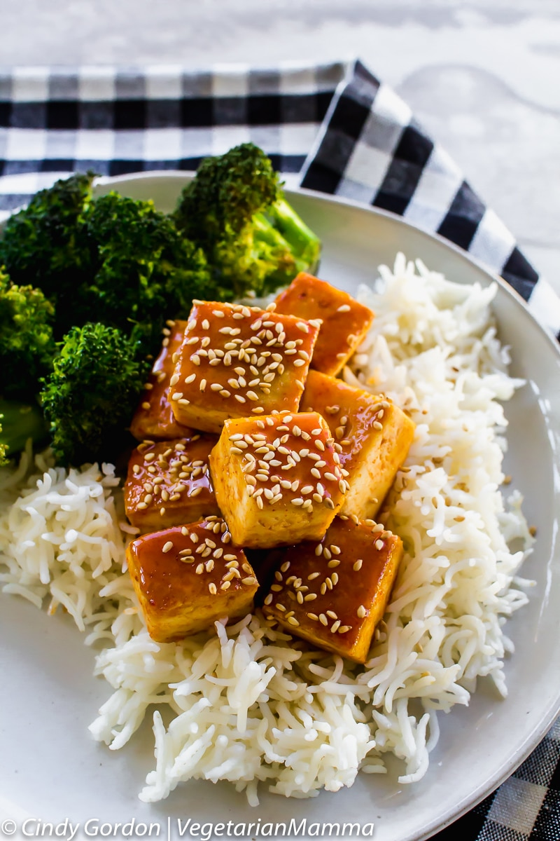 Honey Sriracha Tofu is a spicy fried tofu recipe that is vegetarian.