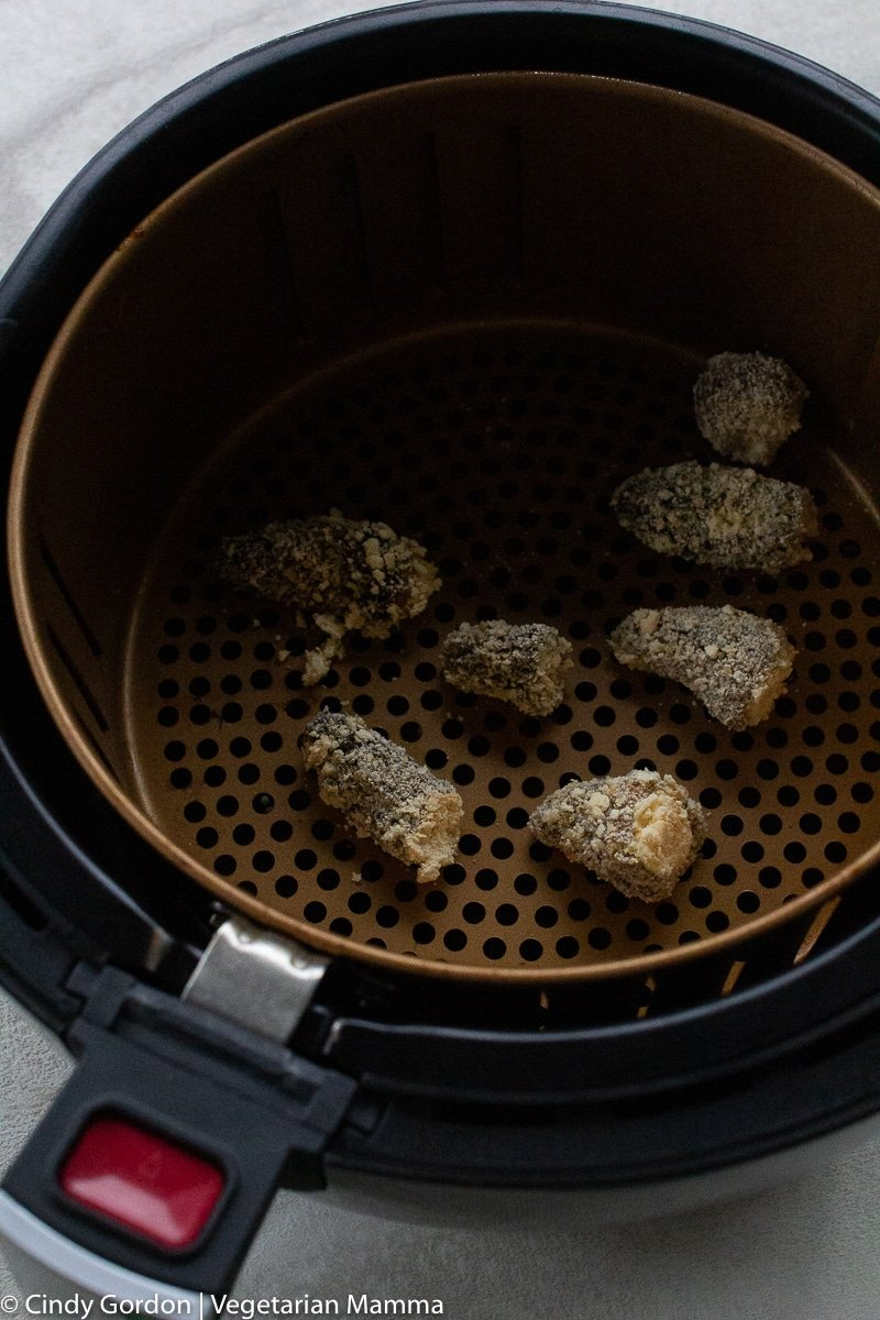 bread morel mushrooms in the air fryer basket